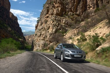 Column mazda cx 7 armenia action 015